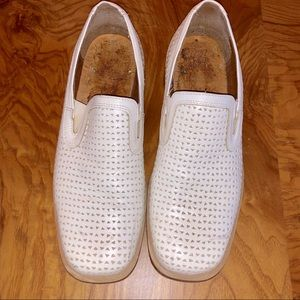 Other - 💎🆕EUC White perforated all leather loafers